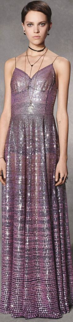 Christian Dior pre-fall 2018 Dior Fashion, Purple Fashion, Fashion 2018, Runway Fashion, Fashion Outfits, Fashion Trends, Fashion Glamour, Christian Dior, Love Couture