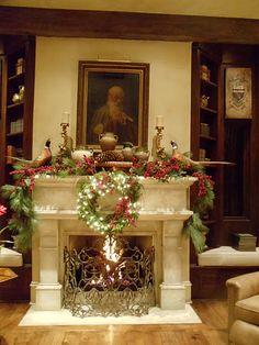 Beautifully decorated mantel for Christmas  Providence Ltd Design - ProvidenceLtdDesign