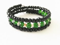 Gorgeous deep green and black, semi elegant accessory - Handmade Czech glass rondelle, black Czech glass seed bead in memory wire. - Perfect for casual look - Size: 6-7