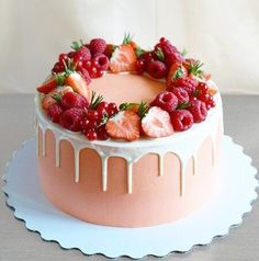 Discover recipes, home ideas, style inspiration and other ideas to try. Pretty Birthday Cakes, Homemade Birthday Cakes, Birthday Cakes For Women, Cake Birthday, Birthday Ideas, Birthday Cards, Happy Birthday, Birthday Gifts, Funfetti Cake