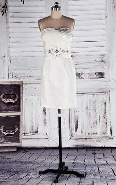 Vestito laurea moda Cuore Naturale Senza Maniche mini http://www.okmi.it/vestito-laurea-moda-cuore-naturale-senza-maniche-mini-p290207060.html