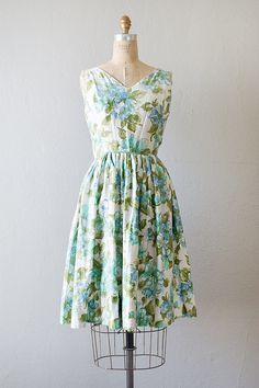 vintage 1950s blue blossoms pleat sundress
