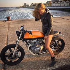 Real Motorcycle Women - sicustom