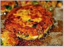 Ατελείωτες συνταγές μαγειρικής Salmon Burgers, Ethnic Recipes, Food, Salmon Patties, Essen, Yemek, Meals