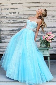 GORGEOUS! I love the detail on the bodice and the shimmery bottom. Sparkles are a girls best friend!