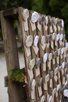 Wooden pallet place cards