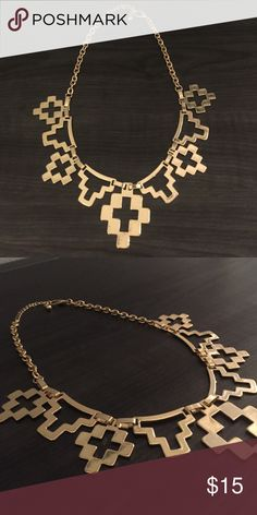 🆕Gold Aztec Pattern Necklace & Earring Set NEW! Never worn. Heavy weight, gold statement necklace and matching earrings. Offers ✔️ Trades✔️ Jewelry Necklaces