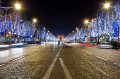 Le site Officiel des Champs Elysees Paris http://www.ChampsELysees-Paris.com  2011 Holiday Season Lightings