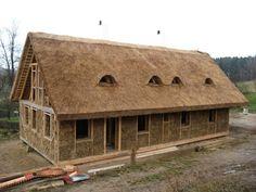 las casas construidas con fardos de paja son el producto de una tcnica sustentable desconocida
