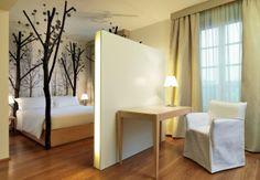 HOME COLLECTION: MOSCHINO La stanza Foresta dell'hotel Maison Moschino.