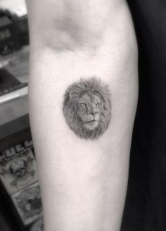 Lion Tattoo by Grain Tiny awesome detail. For real??