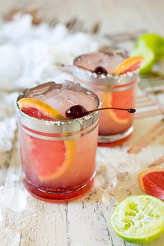 Elderflower Grapefruit Margaritas are refreshing and sweet, floral and fruity all in one sip. The perfect Valentine's Day drink for two. Lime Margarita Recipe, Blood Orange Margarita, Margarita Recipes, Cocktail Recipes, Cocktail Drinks, Drink Recipes, Valentine's Day Drinks, Yummy Drinks, Party Drinks