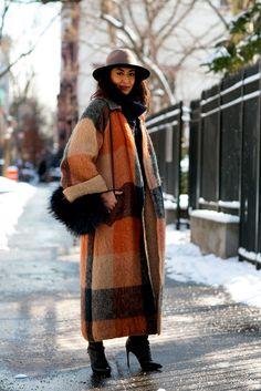 Street fashion: New York Fashion Week jesień-zima Winter Mode Outfits, Winter Fashion Outfits, Winter Outfits, Fashion Fashion, Street Fashion, Fashion Spring, Korean Fashion, Latest Fashion, Autumn Fashion