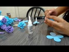 Rosa em e.v.a passo a passo/Faça do seu jeito - YouTube Felt Flowers, Diy Flowers, Fabric Flowers, Paper Flowers, Foam Sheet Crafts, Foam Crafts, Valentines Gifts For Boyfriend, Boyfriend Gifts, Flower Video