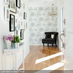 Da Der Eingangsbereich Meist Nicht Sehr Gro  Ist, Bleibt Die Wandgestaltung  Hier Die Beste