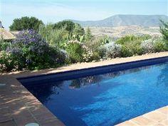 Pool med udsigt over bjergene ved #Grazalema nationalpark og #Zahara søen i #Andalusien.