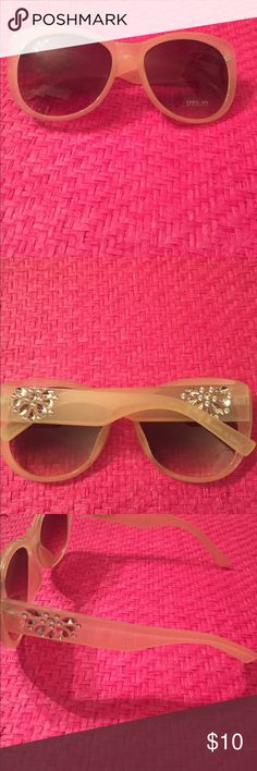 Vanilla and Rhinestone Sunglasses Beautiful vanilla and rhinestones sunglasses. Lenses are dark ombré color with accent rhinestones on the sides. In excellent condition. GHS Jewelry Accessories Sunglasses
