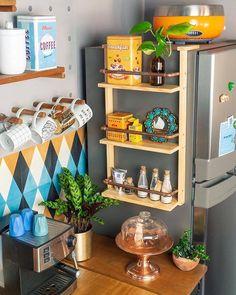 diy organizador Eu sei que voc - doityourself Boho Kitchen, Home Decor Kitchen, Home Kitchens, Stylish Home Decor, Diy Home Decor, Room Decor, Romantic Living Room, Diy Bathroom, Home And Deco