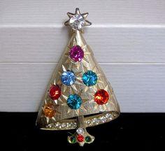 Vintage Unsigned Mylu Rhinestone Ornaments Christmas Tree Brooch BOOK PIECE #UnsignedMYLU #VintageAngledRhinestoneChristmasTreeBrooch