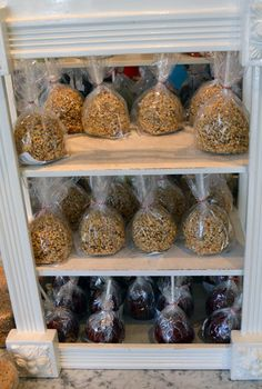 Candy Apples from Main Street Confectionary at the Magic Kingdom! Click for Top 10 Places to Find Freshly Made Candy and Sweets!