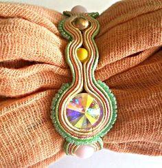 Soutache Jewelry, Brooch, Handmade, Fashion, Moda, Brooches, Fasion, Hand Made, Trendy Fashion