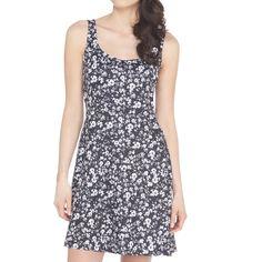 Lolë Saffron Dress - http://interestinglycoolstuff.blogspot.com/2015/04/womens-fashions-backcountry-fashions.html