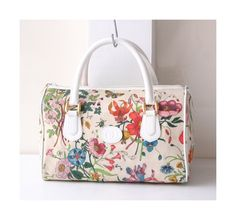 Gucci bag Flower Canvas Boston Tote Vintage Authentic Handbag by hfvin on Etsy  #gucci #flora #flower #boston #canvas #totebag #hfvin