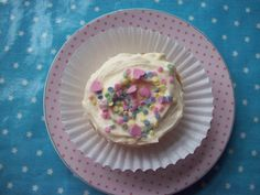 Vanilla bean with whipped vanilla buttercream and sprinkles - perfectly simple