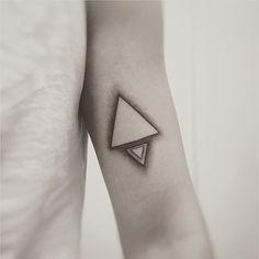 #triangle #tattoo #geometric #geometrictattoo