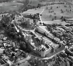 29 Majestic Historical Photos Of Britain From Above