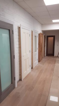 Lot's of new doors and flooring on display at our Clonmel showrooms. Can't wait to show them off 😁 Walnut Doors, White Doors, Internal Doors, Showroom, Garage Doors, Flooring, Display, Outdoor Decor, Home Decor