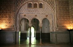 This image is also from the Alcazar of Seville. This shows the influence of Islamic architecture in not only the geometric designs, but also the horseshoe arches, which were an important characteristic of Islam architecture.
