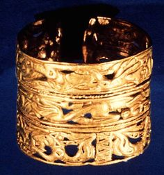 The Scythian artifacts found in Altai region, including gold objects, textile and other metal works  altai8.jpg (397×424)