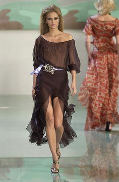 Valentino at Paris Fashion Week Spring 2003 - Runway Photos