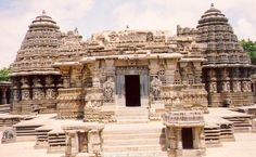 Hoysala architecture in Somnathpur, 30 kms from Mysore & 140 kms from Bangalore, India. #somnathpur