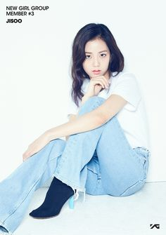 YG Entertainment Introduces Third Member of Their New Girl Group Blackpink Jisoo, New Girl, Kpop Girl Groups, Korean Girl Groups, Kpop Girls, Anime Girls, K Pop, Jenny Kim, Blackpink Debut