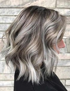 40 Perfect Hair Colors For Winter 40 perfekte Haa Winter Hair Colour For Blondes, Winter Blonde Hair, Fall Hair Colors, Fall Winter Hair Color, Summer Hair Color For Brunettes, Winter Colors, Dark Purple Hair, Violet Hair, Blonde Hair With Highlights