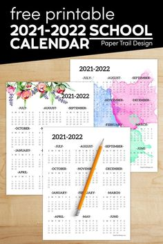 One page year at a glance school year calendar to print for free to help you stay organized in the new year. Free Printable Calendar Templates, Printable Paper, Free Printables, Kids Writing, Writing Paper, Holiday Activities, Classroom Activities, First Day Of School, Back To School