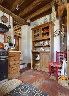 Vicky's Home: Una vieja casa de campo restaurada / An old restored farmhouse Mais Decor, Farmhouse Kitchen Decor, Home Kitchens, Cozy Kitchen, Rustic House, Sweet Home, Home Decor, Farmhouse Style Kitchen, Kitchen Style