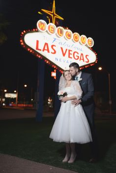 Las Vegas Sign At Night For A Wedding Photo Las Vegas Strip Photo