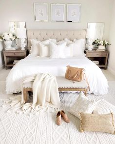 Here is a stunning white bedroom from ! What do you think of … Happy Hump Day! Here is a stunning white bedroom from ! Dream Bedroom, Home Decor Bedroom, Master Bedroom, Modern White Bedrooms, Cream Bedroom Decor, Cream Bedroom Furniture, Bedroom Pics, Contemporary Bedroom Decor, Bedroom Images
