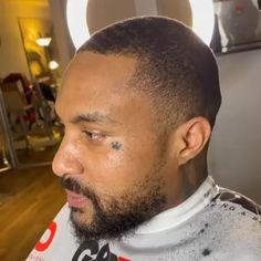 Stylish Mens Haircuts, Popular Mens Haircuts, Black Men Hairstyles, Boy Hairstyles, Haircuts For Men, Types Of Waves, Waves Haircut, 360 Waves, Mens Hair Trends