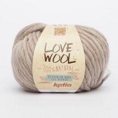 Katia Love Wool est une laine naturelle 100%, grosse, douce et spongieuse pour te protéger du froid. Le haut épaisseur est parfait pour tricoter avec des aiguilles à tricot de 12 - 15 mm.