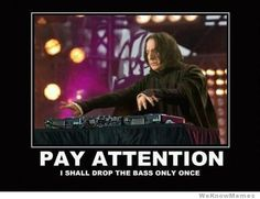 See, rate and share the best snape memes, gifs and funny pics. Memedroid: your daily dose of fun! Snape Harry Potter, Harry Potter Love, Severus Snape, Harry Potter Memes, Potter Facts, James Potter, Snape Meme, Guitar Hero, Guy