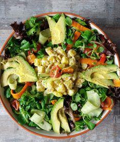 Salade met romige krieltjes Het recept van vandaag is een salade met romige krieltjes die ook nog tjokvol groenten zit. Maar ik ga u ook vandaag laten weten dat ik een zomerreces in ga schakelen. Want u bent massaal (gegund) op vakantie en ik kan ook wel wat rust gebruiken. En dus spreek ik met…