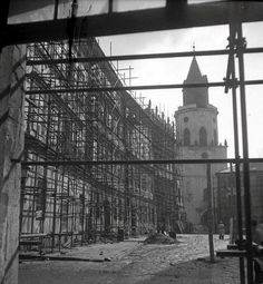 Lublin, rynek. Negatywy zdjęć wykonanych w Lublinie w 1954 r. przechowuje Ośrodek Brama Grodzka-Teatr NN. Dostał je kilka lat temu od córki fotografa, Ewy Hartwig-Fijałkowskiej.