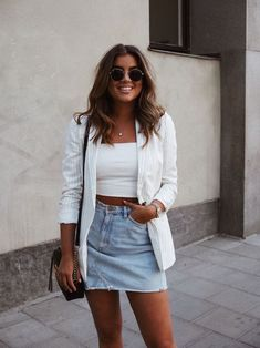 college look outfit, Look Jeansrock und Blazer Jean Skirt Outfits, Blazer Outfits, Casual Outfits, Fashion Outfits, Blazer Fashion, Denim Skirt, Dress Outfits, Wearing Dresses, Blazer Dress