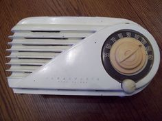 Farnsworth AM tube radio