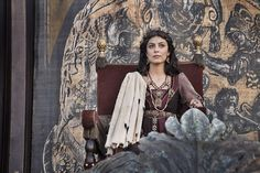Medieval Fashion, Medieval Clothing, Medieval Tv Shows, Medici Masters Of Florence, Tv Series 2016, Historical Women, Historical Dress, Historical Clothing, Foto Poster