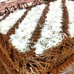 Resultado de imagem para torta decorada prestigio